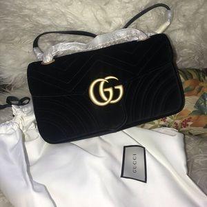 Small Marmont Chain Shoulder Bag in Velvet Black